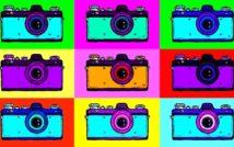 dziewięć aparatów fotograficznych.