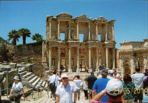 Biblioteka w Efezie. Autorka: Wanda Karczewska